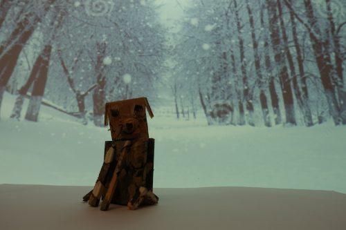 Lara Horvat: Kužek v zimski idili