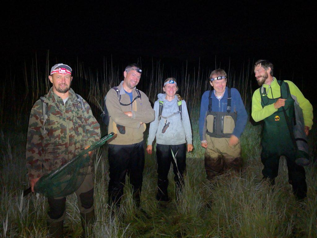 Ekipa DOPPS med majskim lovom na bobnarico na Cerkniškem jezeru