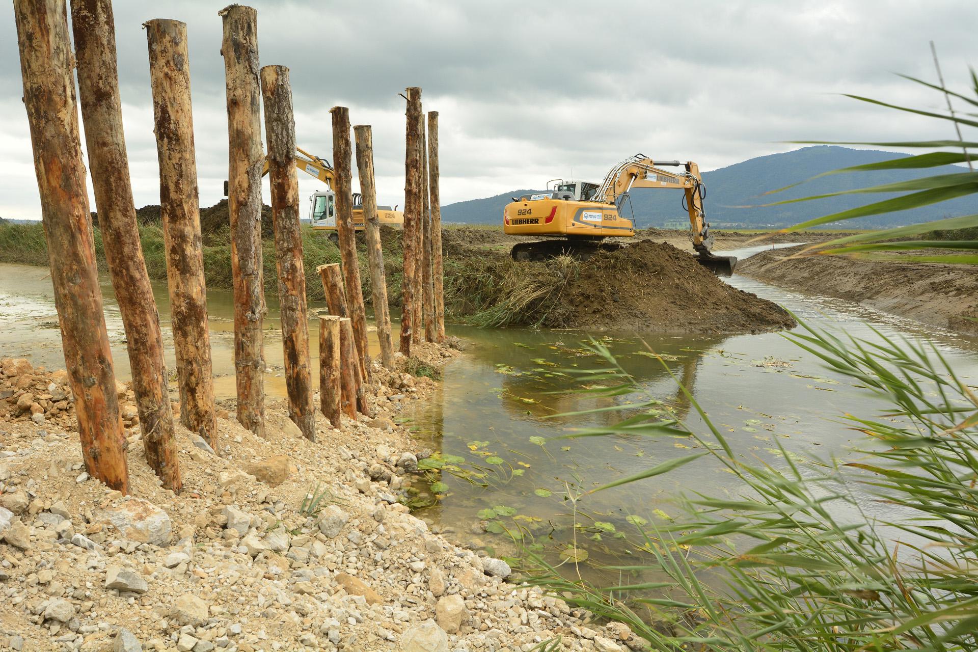V okviru projekta bomo vodotok Stržen na območju Ključev preusmerili v naravno pot dvojnega okljuka. Foto NRP